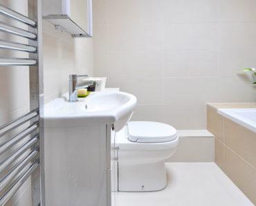 Air Wick V.I.Poo Toilet Perfume Spray for a Fresh Bathroom